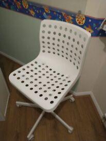 Ergonomic Desk Chair (Colour: white)
