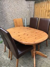 Extendable pine table and 4 chairs