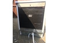 Whirlpool ADP5300/1 WH dishwasher