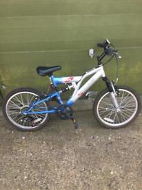 Child's bike 7 to 9 years