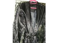 New Mens M/L Dressing Gown