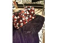 LARGE RED CIRCLE MULTI PRINT BAG ON WHEELS