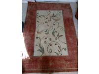 Carpet in excellent condition 137x195cm