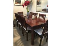 Beautiful hardwood dining table & 8 chairs