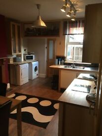 Double room to let- Lovely 4 bed professional house share Lincoln city centre. All inclusive