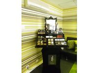 High Definition Make-up Stand, Samples and Retail Stock For Sale
