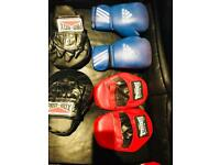 Boxing gloves, pads