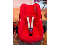 Red Maxi Cosi Pebble Car Seat and Family Fix Base