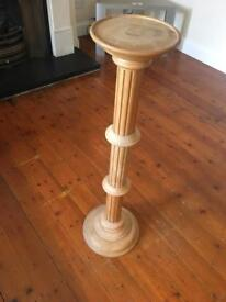 Solid wood plant / vase stand