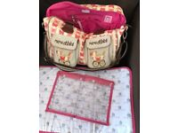 Yummy Mummy Changing Bag / 4 New Tommee Tippee Bottles 2 9oz and 2 5oz