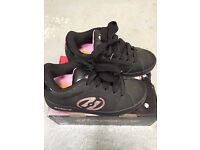 Girls Heelys Black/Pink size 4 in original box in excellent condition