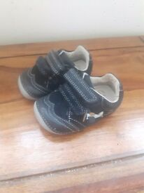 Baby boys Clarks first shoes size 2H