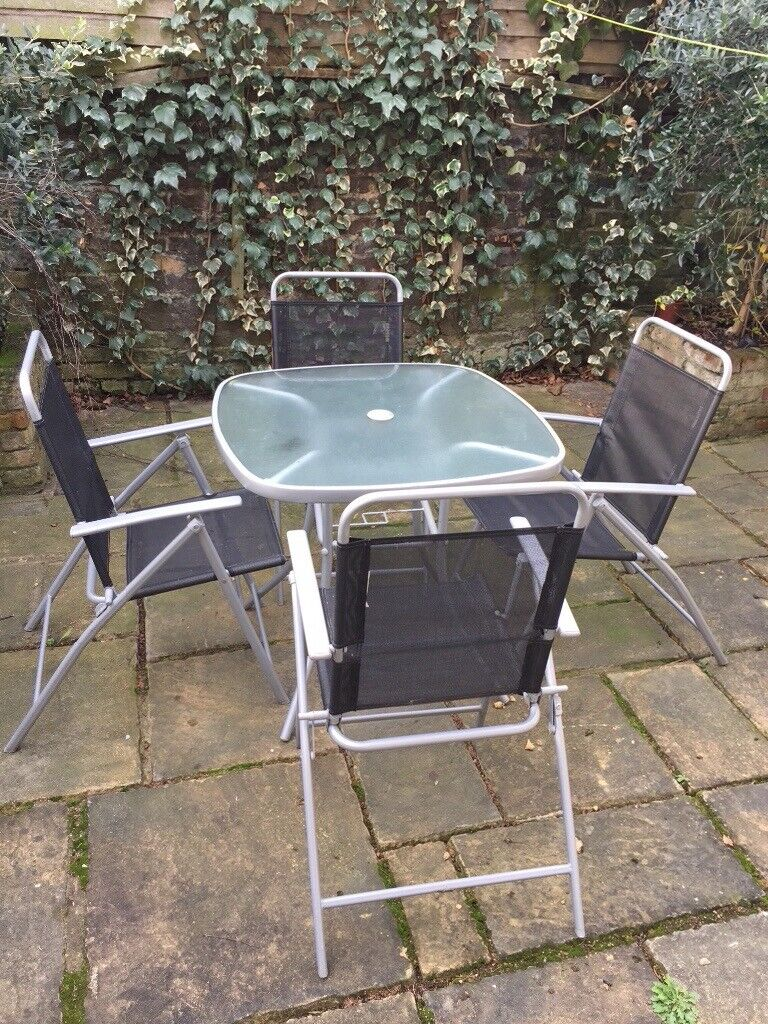 Outdorr Small Square Table And Chairs