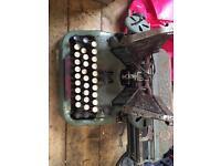 Vintage Oliver typewriter very heavy, in need of restoration
