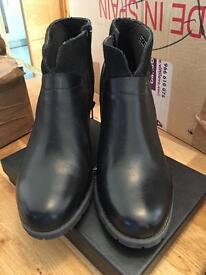 Black leather ankle boots clarks