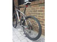 jamis mountain bike 27 shimano gears, amazing bike like a new. A lot of accessories included.