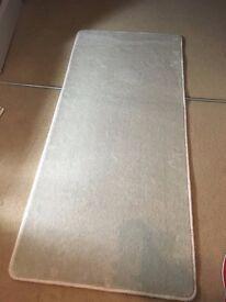 NEW White (glossy) carpet/rug (132cmx67cm) - high quality