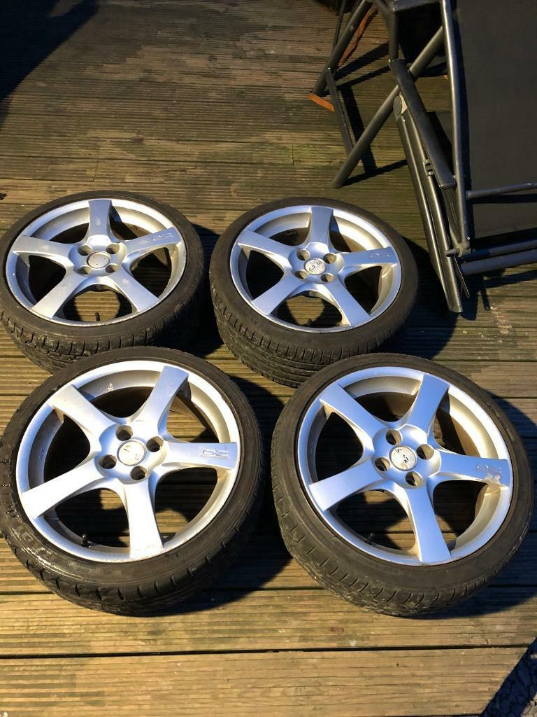 O.Z Racing 17 inch Alloy wheels and tyres 4x100