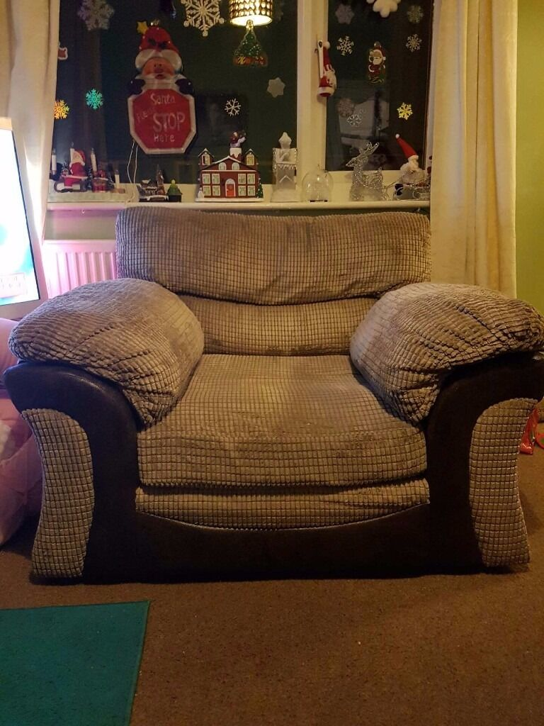 Armchair (like new) open to offers