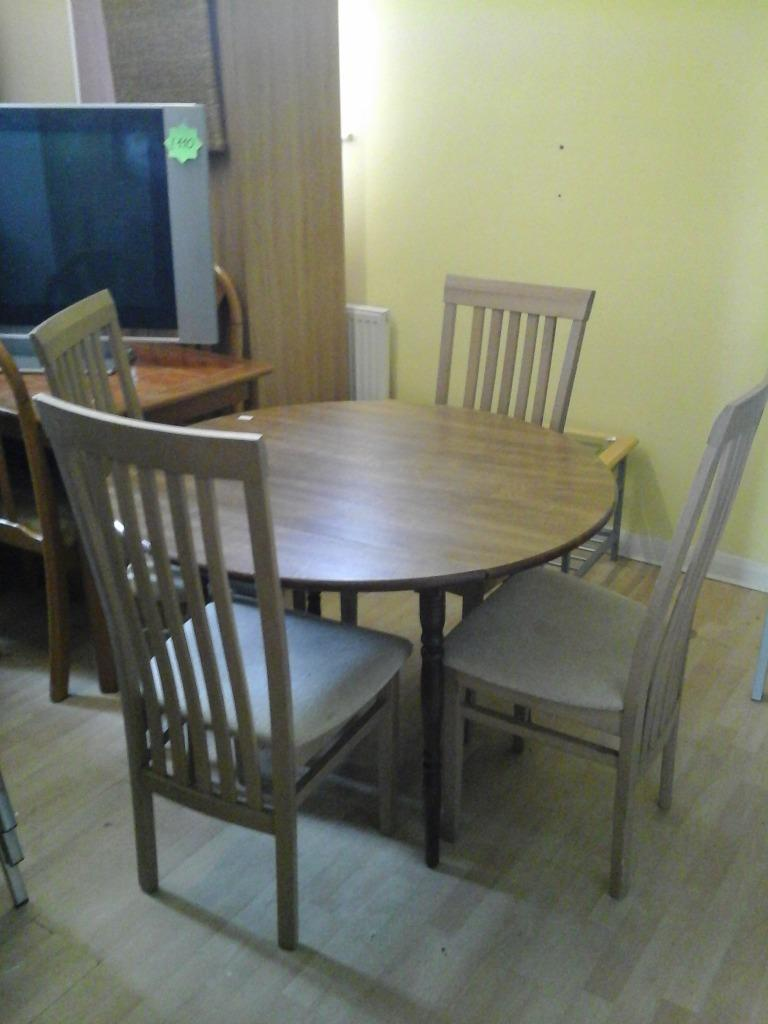 DINING TABLE AND 4 CHAIRS In Hull East Yorkshire Gumtree