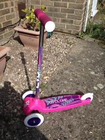 Evo Cyclone girls pink scooter