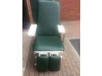 2 Akron 3 Section Electric Podiatry Orthopaedic Medical Chair Couch £450 EACH