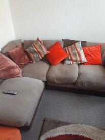 Corner settee - free