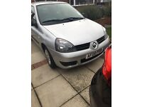 Renault clio campus 1.2 in fab condition, 76000 miles 11 months MOT