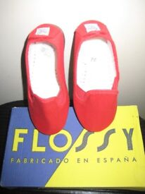 Brand New Flossy Children's Plimsoll Shoe - Euro Size 25