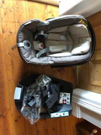 Cybex Aton Q car seat (Mamas and Papas Armadillo) with ISOFIX base
