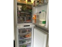 Hotpoint HFF 31014 UK integrated fridge freezer