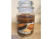 **YANKEE SCENTED CANDLE BANANA NUT BREAD, LARGE JAR, LIKE NEW, RARE**