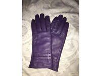 Ladies purple genuine leather gloves