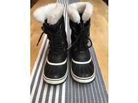 Ladies Sorel boots - UK 5