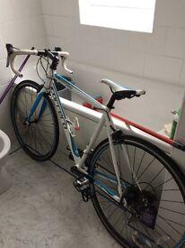 Men's Carrera Virtuoso Road Bike (size medium)