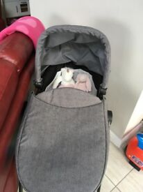 Graco evo carrycot with stand excellent condition