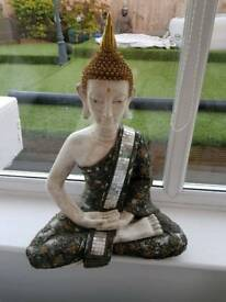 Medium/large buddah with cracked mirror glass. Gold cream features
