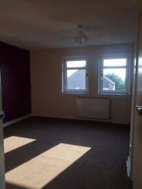 Lovely very large 2 bed flat central Lanark