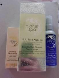 Planet Spa (Avon) Gift set.