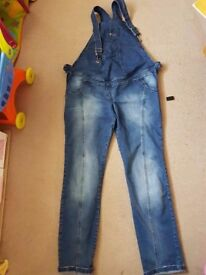 Maternity dungaree- jeans.