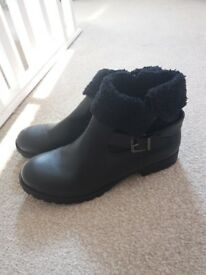 New size 7 Dorothy Perkins boots