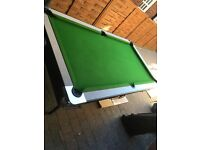 Snooker / Pool Table, Cue's, Balls, Accessories