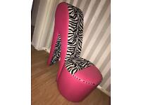 Large shoe chair