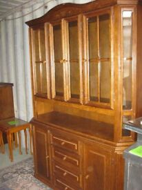OAK ORNATE STURDY GLAZED DRESSER SIDEBOARD CABINET. TOP DETACHABLE. VIEWING/DELIVERY AVAILABLE