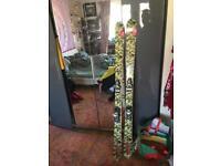 Roxy skis with bindings