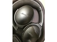 LIKE NEW BOSE QC35 HEADPHONES