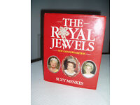 Royal Jewels by Suzy Menkes with Coloured Photos