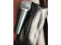 shure beta 58a microphone and case