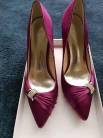 Fuschia shoes unworn