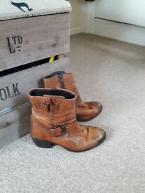 Ladies ankle boots size 4.5